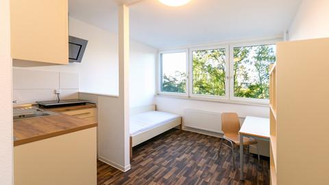Möbliertes Wohnheimzimmer für Studierende